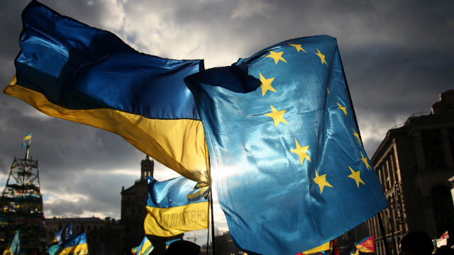 EU approves visa-free travel for Ukrainians