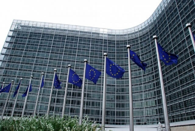 EU warned on visa-free regime with Caribbean countries offering passports for sale